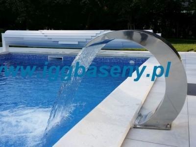 basen ogrodowy na zewnątrz fontanna wodna